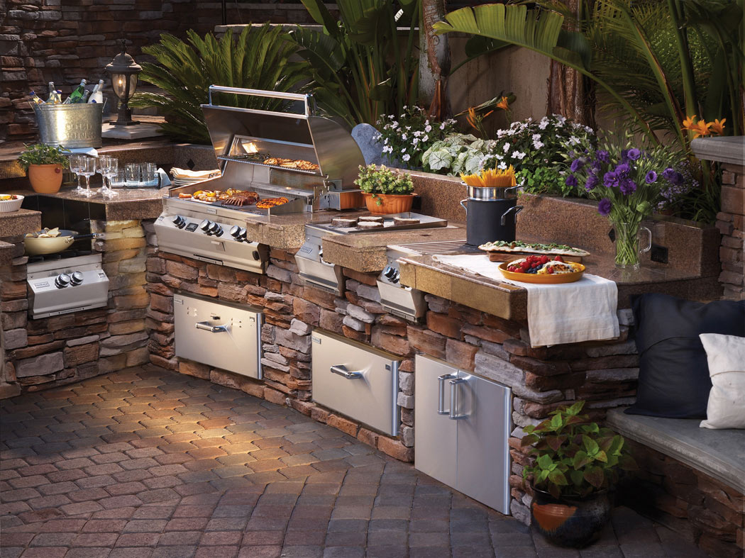 Planning Your Luxury Backyard KitchenBackyard Mamma