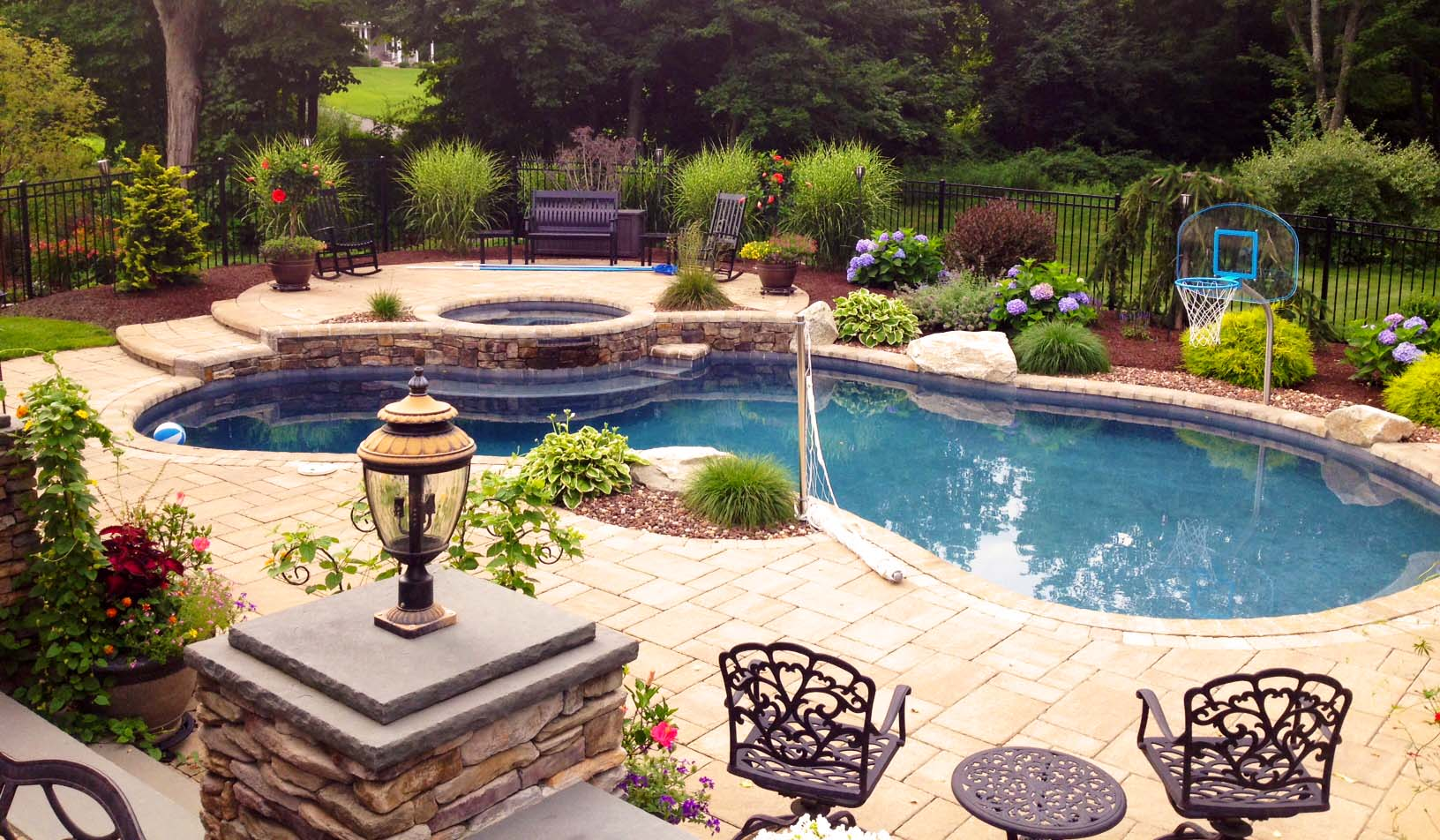 2017 luxury backyard design trends 2016 backyard of the for Best pool designs 2016
