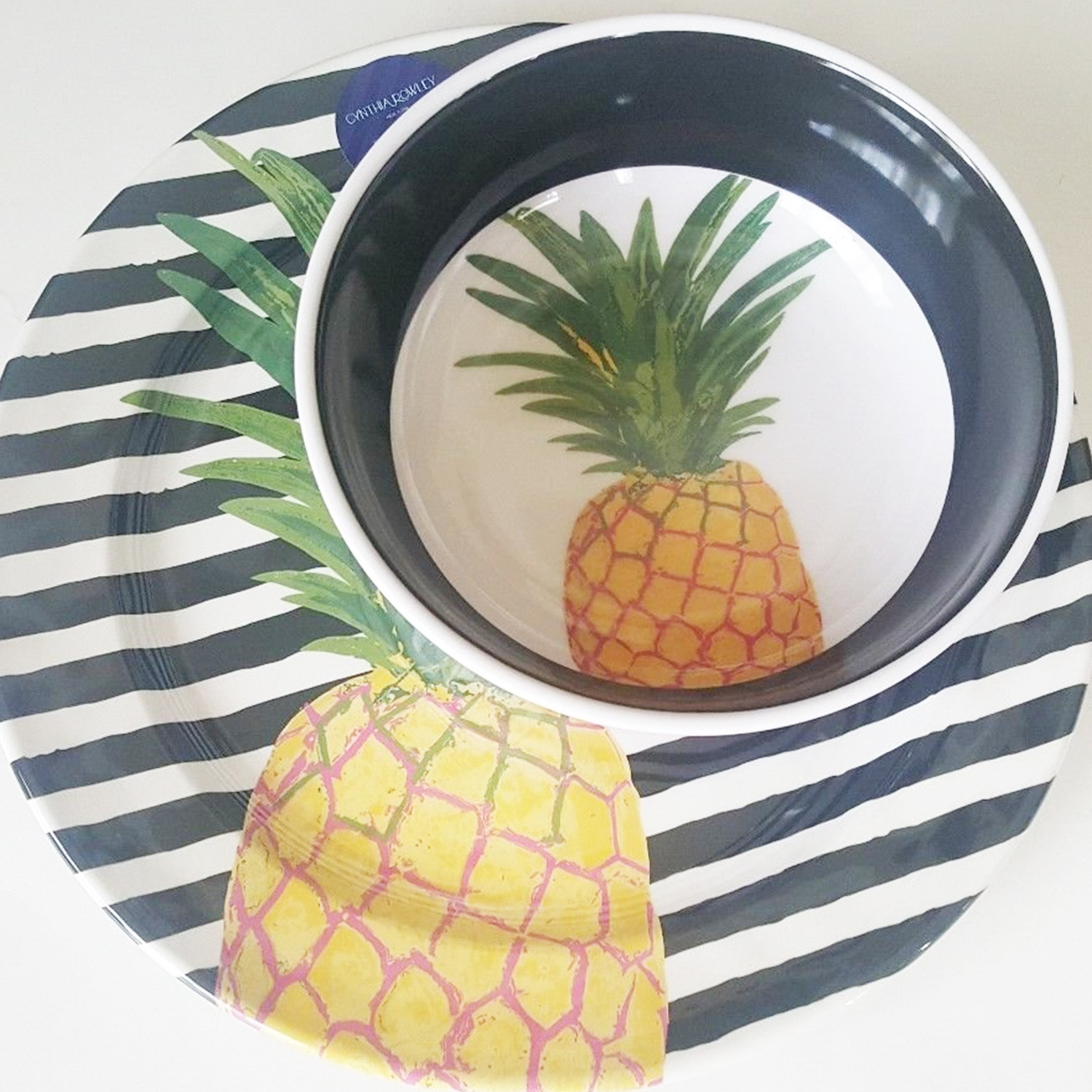 pineapple plate and bowl